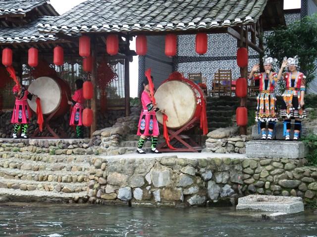 桂林旅行少数民族村1.JPG